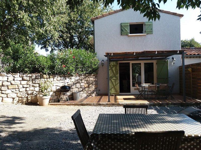 Gite au coeur des gorges de l'Ardèche., holiday rental in Saint-Alban-Auriolles