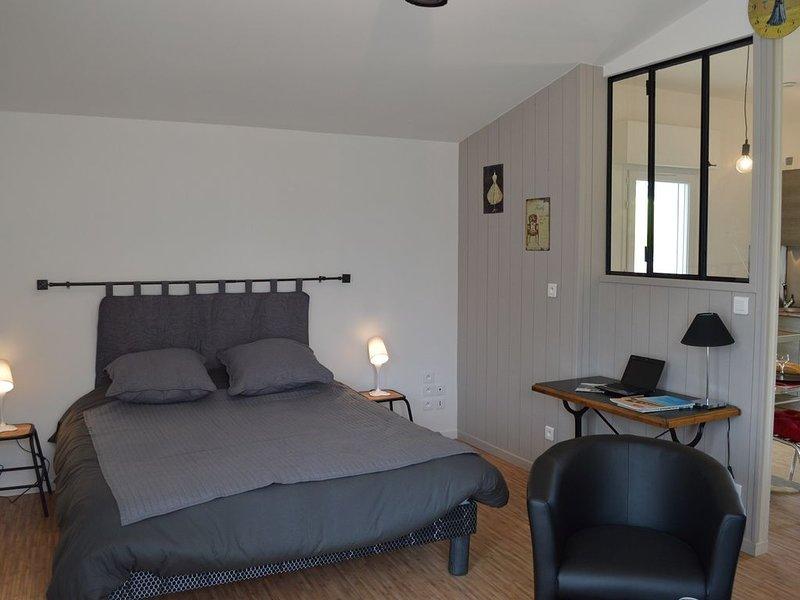 Gîte de l'Atelier STUDIO proche MACHECOUL CHALLANS, holiday rental in La Limouziniere