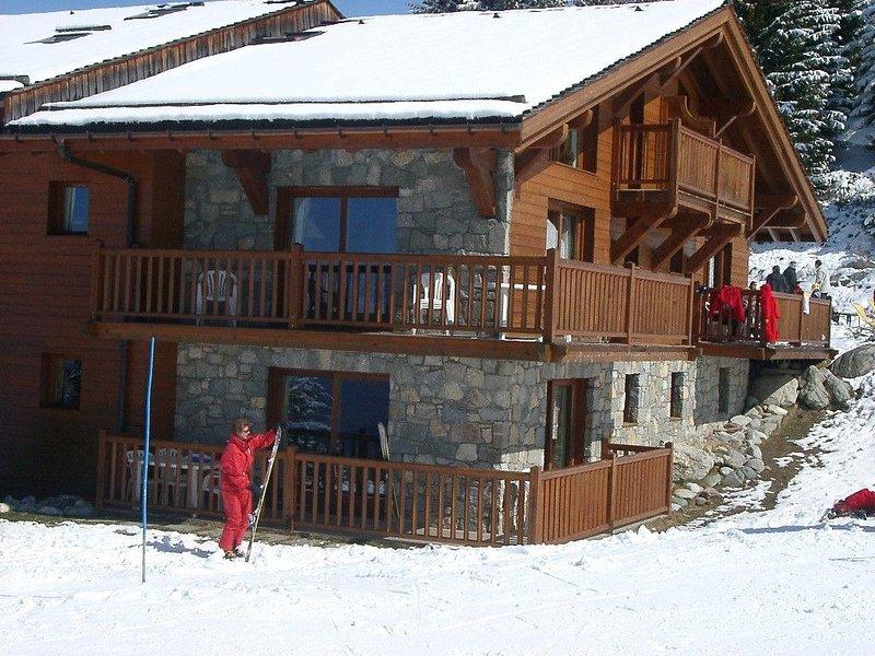PISTES & GOLF directement sur les pistes par la terrasse et au pied du golf, holiday rental in Les Arcs