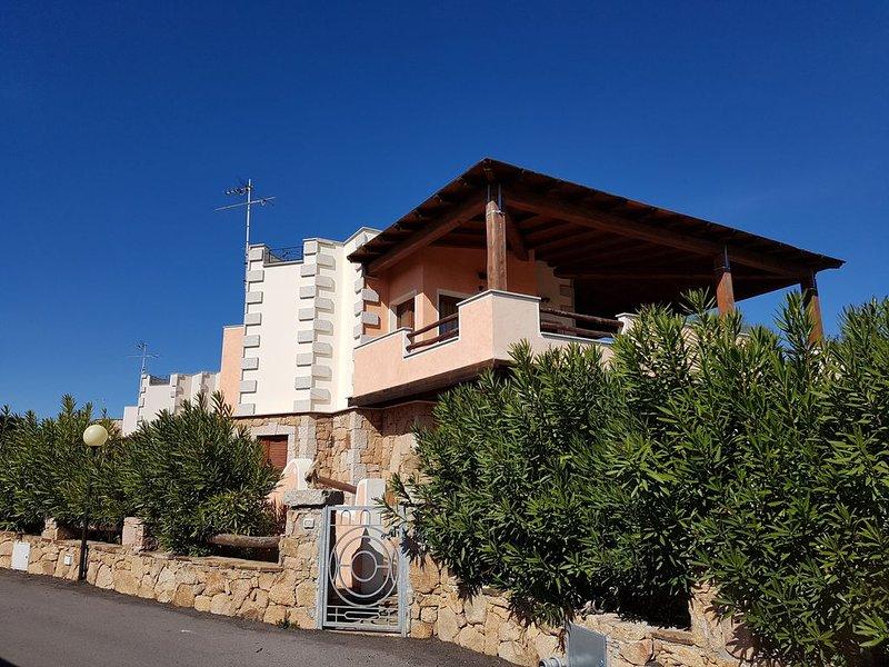 Belle villa avec SPA vue époustouflante à  360° proche mer, vacation rental in Olbia