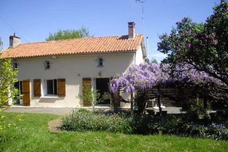MAISON DE CAMPAGNE REPOS ASSURE, holiday rental in Vouvant