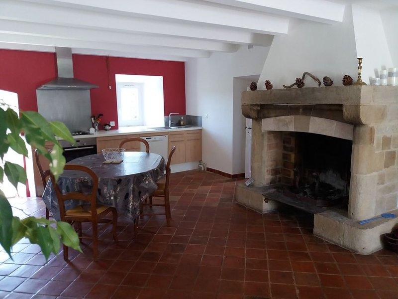 Au cœur du causse noir  dans un petit hameau à 930 mètres d'altitude., aluguéis de temporada em La Roque-Sainte-Marguerite