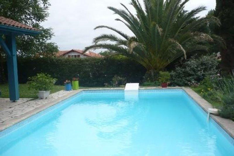 Anglet, maison avec piscine et jardin, location de vacances à Anglet