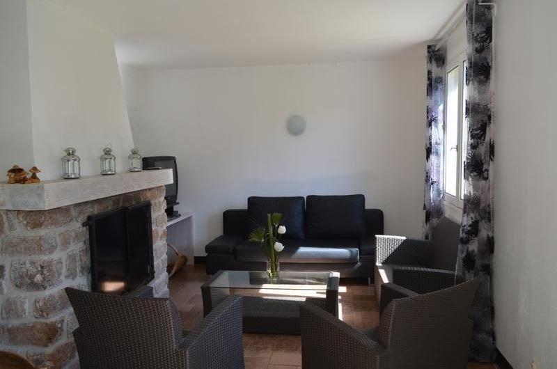 MAISON FAMILIALE AUX PORTES DU PARC NATUREL REGIONAL DES MONTS ARDECHE, holiday rental in Saint-Prix
