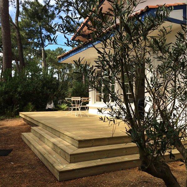 Sur la Dune de l'Herbe,villa entièrement rénovée a 300m de la plage, vacation rental in Cap-Ferret