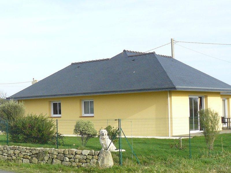Maison de plain-pied, terrain clos à 400 m de la plage de pors-Carn, location de vacances à Penmarch