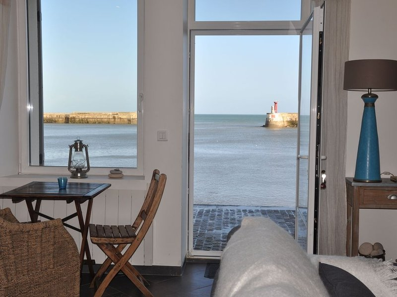 Front de mer, vue d'exception, charme, cheminée et confort haut de gamme, 100m2, alquiler de vacaciones en Calvados