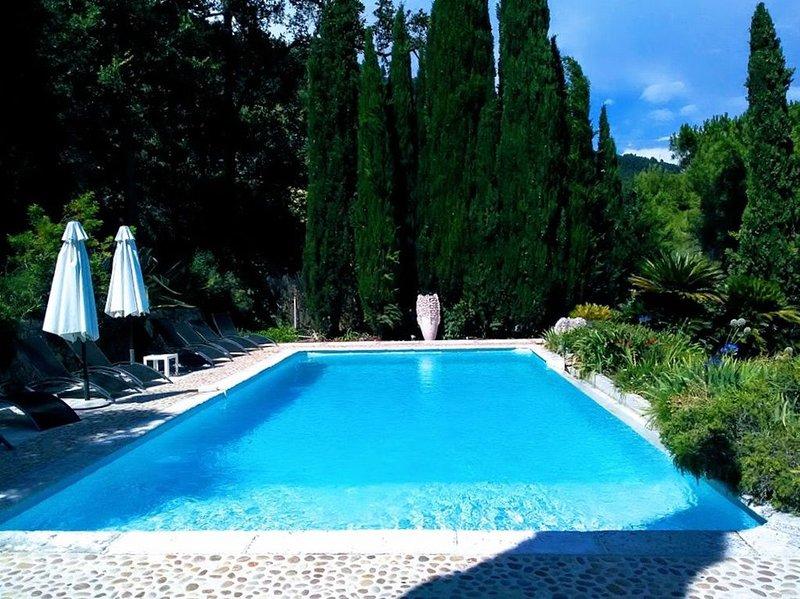 Cacedes - Villa avec vues panoramiques sur la Côte d'Azur, location de vacances à Spéracèdes
