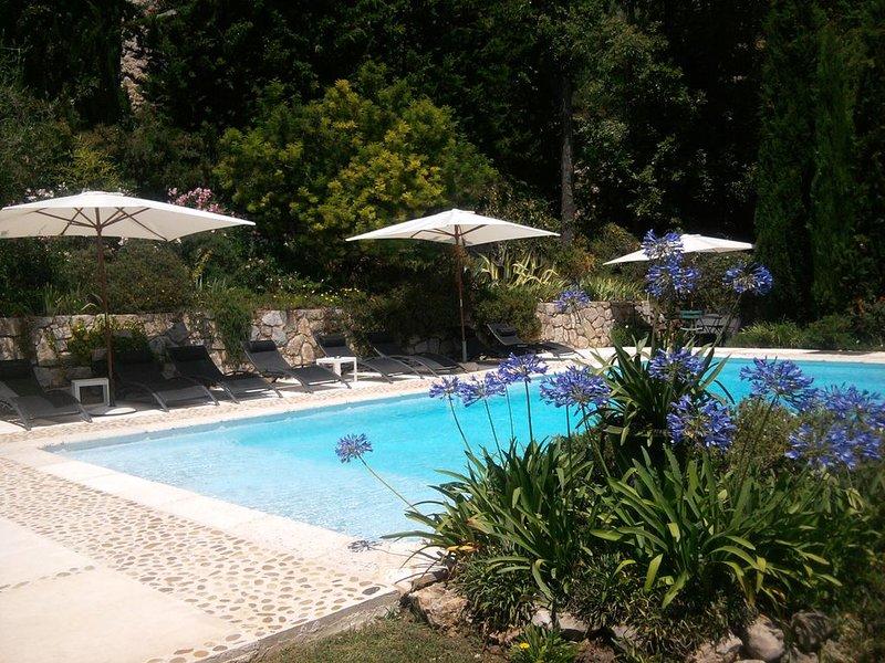 Cacedes - Rez de jardin avec vues panoramiques sur la Côte d'Azur, location de vacances à Spéracèdes