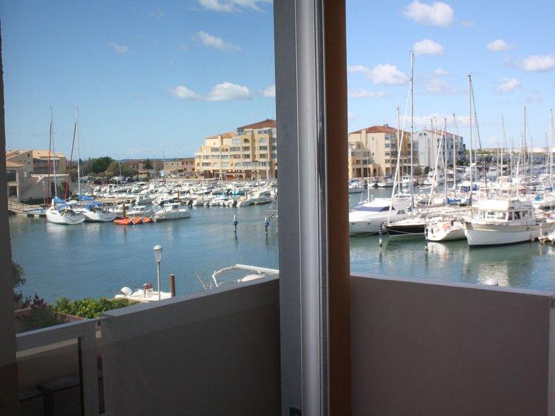 Une vue à couper le souffle au dessus de la marina, location de vacances à Frontignan