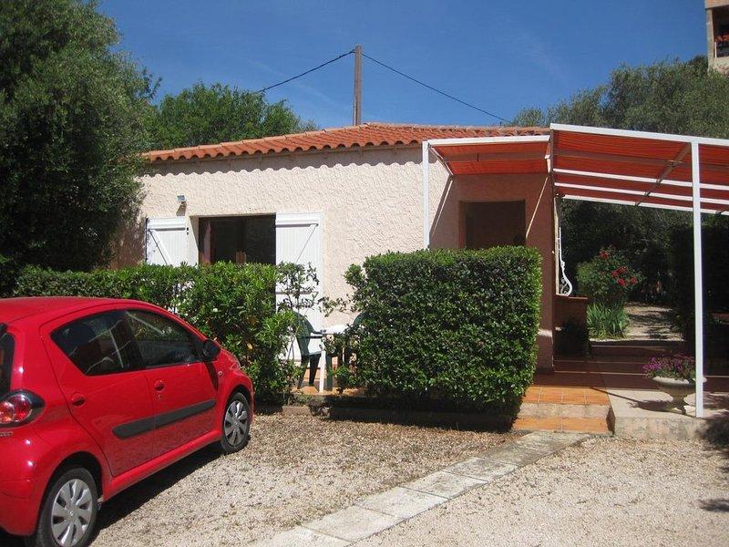 Villa Club 45 m2, située à proximité des plages, avec jardin et parking, aluguéis de temporada em Bandol