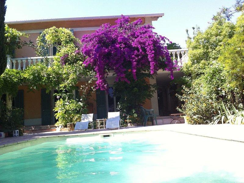 maison provençale avec piscine proche plage dans le sud de la france, location de vacances à La Valette-du-Var