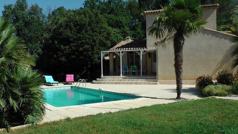 Belle VILLA avec piscine sous st VICTOIRE à 20 mn d'AIX en Prov. Promo. 7 et 8, location de vacances à Pourrieres