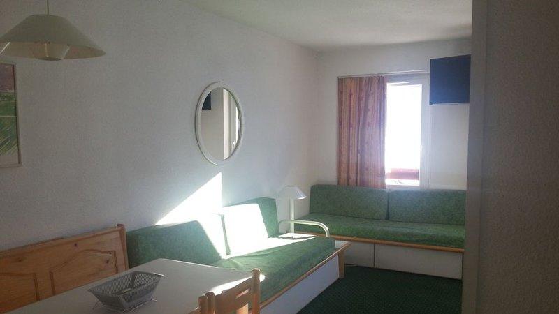 LES MENUIRES Appartement 2 pièces 4/5 Personnes  PIED DES PISTES, holiday rental in Les Bruyeres