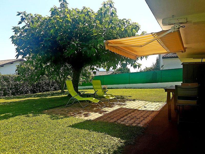 App. T3 dans Villa en Rez de jardin - 4 Pers. - 2 chambres - 1 Km de la plage, location de vacances à Saint-Jean-de-Luz