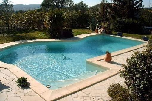 Villa de charme piscine, Avignon, 6 personnes, grand jardin mediterraneen, holiday rental in Villeneuve-les-Avignon