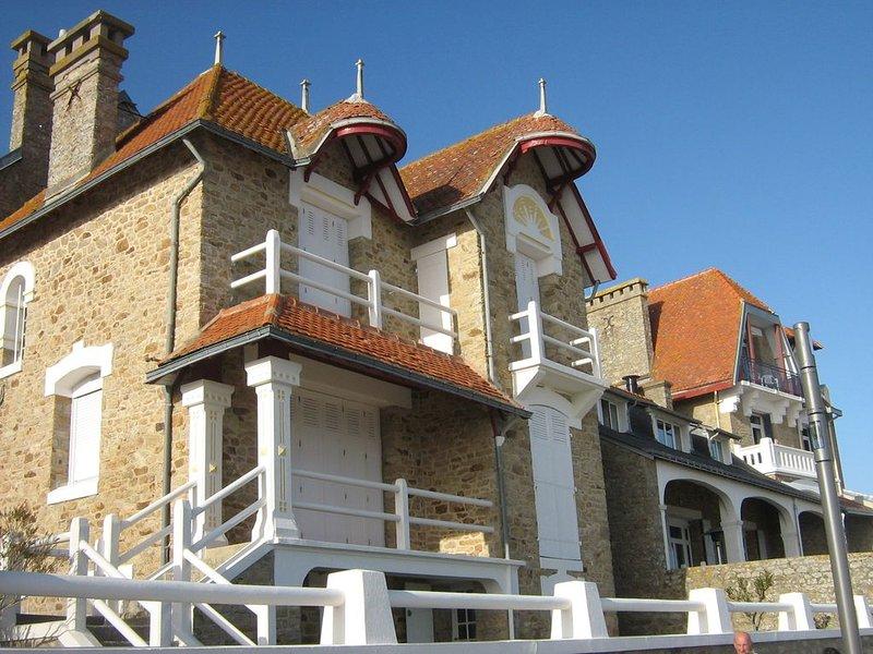 Larmor Villas