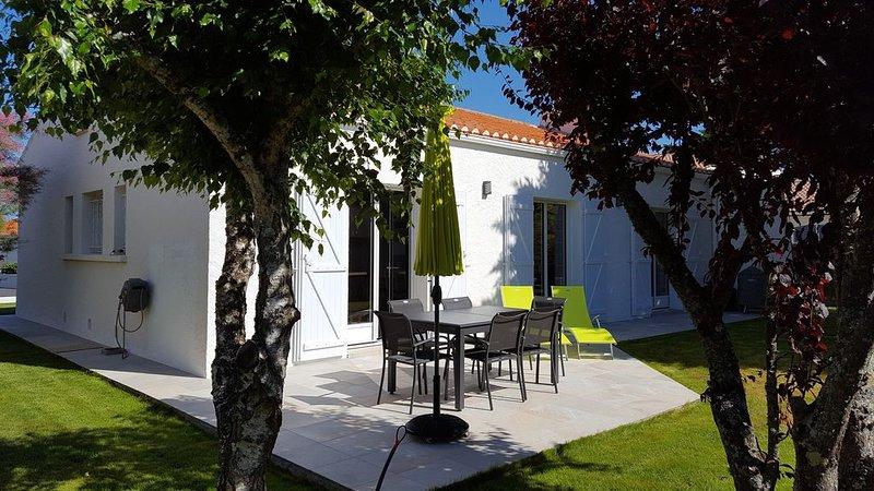 VILLA  A 800 m  DES PLAGES des SABLES D'OLONNE - 6 PERSONNES - 115 m² WIFI, location de vacances à Vendée