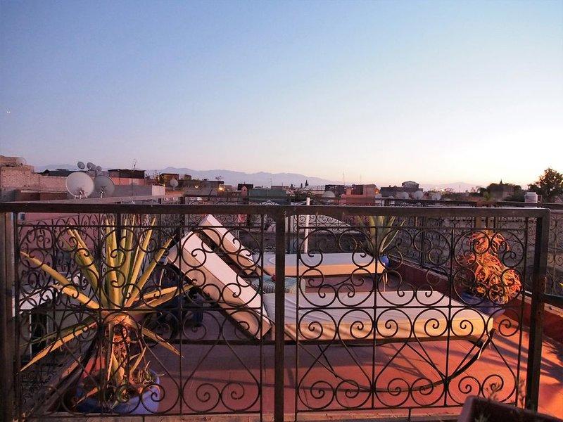 Riad Dar Tiflet, oasis au cœur de la médina, alquiler de vacaciones en Ait Azzi