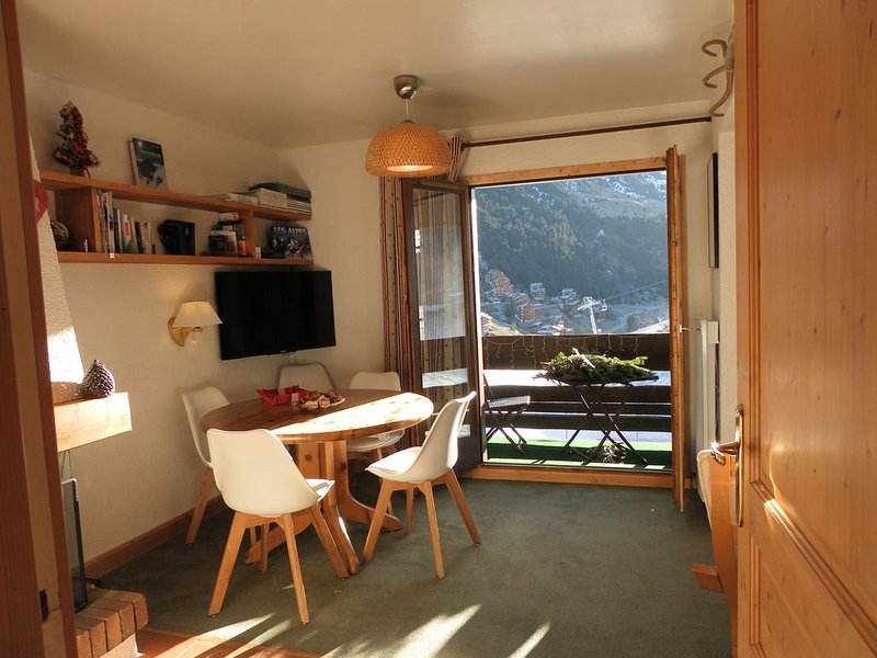 Appartement au pied des pistes  -  45m2 pour 5 personnes  -  Label Méribel, holiday rental in Meribel