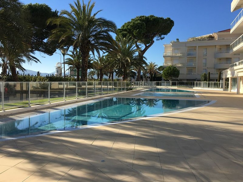 RESIDENCE grand standing - Plages du Midi - BOCCACABANA, vacation rental in Cannes