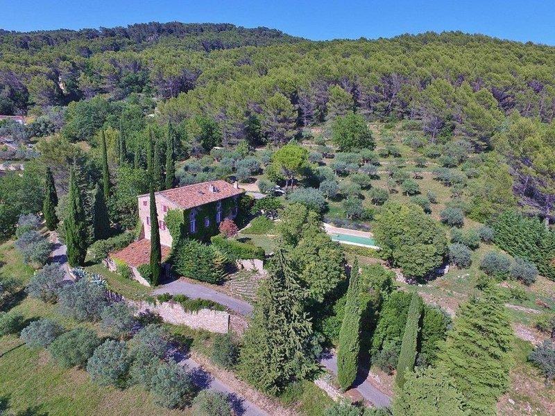 Maison de vacances familiales. Mas des oliviers, Draguignan, aluguéis de temporada em Chateaudouble