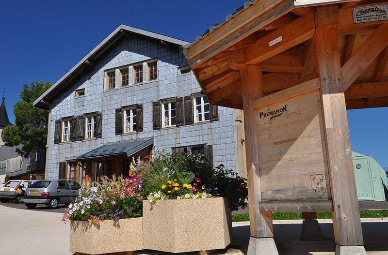 Appartement centre village 6p Prémanon, location de vacances à Les Rousses