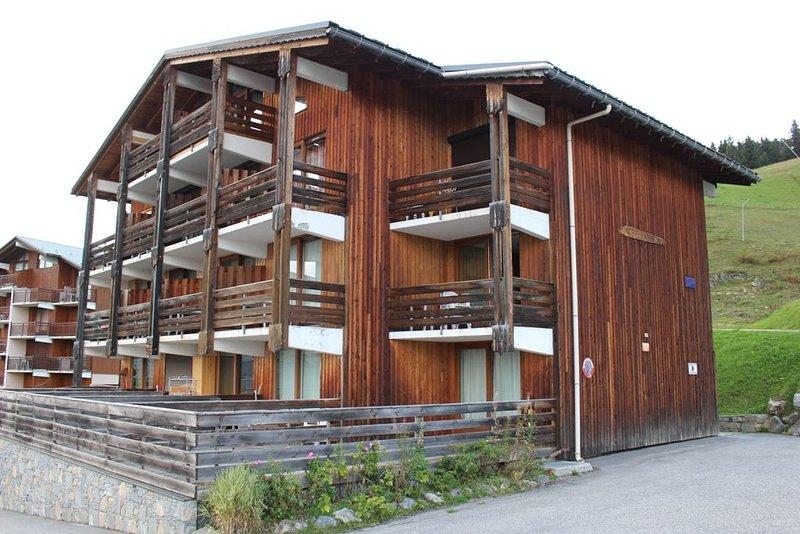 Les Saisies - Appartement 4 pers. - Pied des pistes - Balcon sud - Vue montagne, location de vacances à Hauteluce