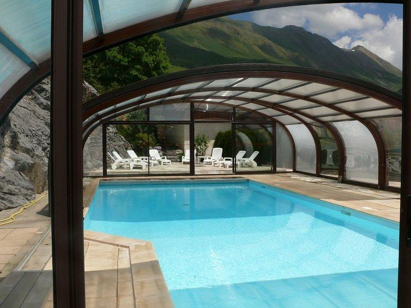 Bel appartement aux bords des pistes avec piscine chauffée (3 étoiles), casa vacanza a Le Grand-Bornand