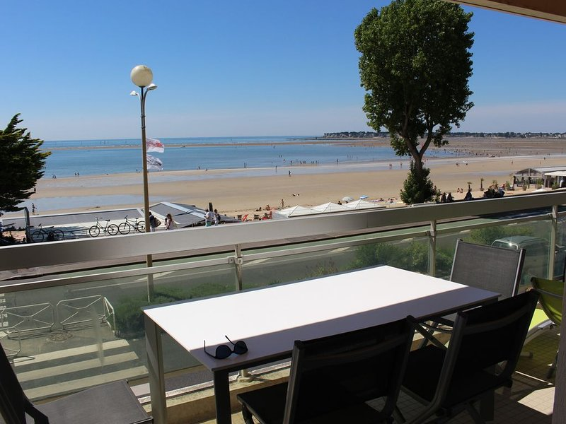 Appartement avec vue panoramique sur la baie de la Baule, entre, holiday rental in Loire-Atlantique