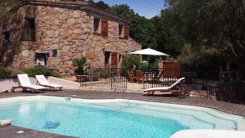 Villa de charme indépendante piscine privée chauffée, Palombaggia, Porto Vecchio, aluguéis de temporada em Porto-Vecchio