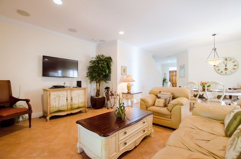 3 Bedroom and 2.5 Bath Sanctuary Villa 7221 with Private Pool at Village at Hawk, casa vacanza a Conch Key