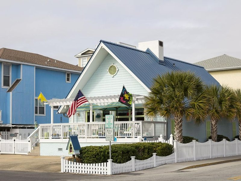 One of a kind experience with all amenities included w/ luxury linens!, holiday rental in Wrightsville Beach