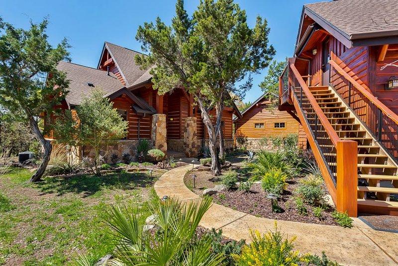 Luxury 4BR/4BA Cottage at the Hollows Resort 4 Pools/Spa-Hot Tub, alquiler vacacional en Jonestown