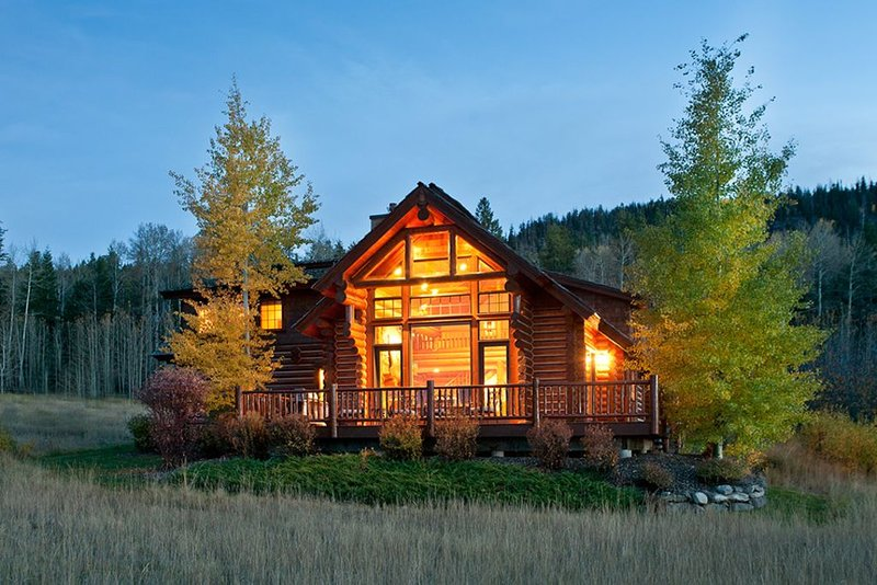 3 Bedroom Luxury Log Cabin at Teton Springs, holiday rental in Swan Valley