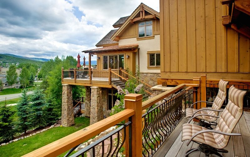 LUXURIOUS PRIVATE HOME. 100% REFUND IF SKI MOUNTAIN CLOSES BEFORE YOUR ARRIVAL!, alquiler de vacaciones en Steamboat Springs