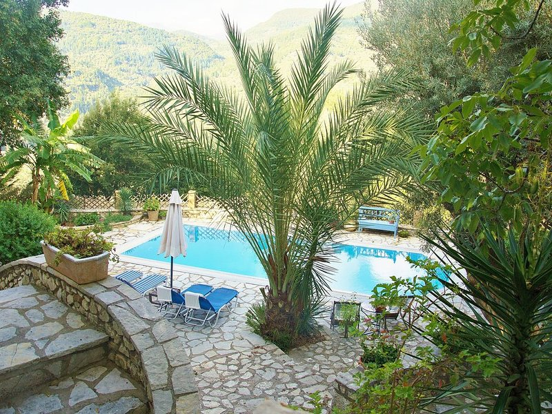'Villa-Nostalgia' is a two apartment traditional house, holiday rental in Spanochori