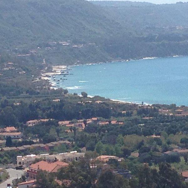 Mare di Calabria, colline e insediamenti rupestri da visitare, antichi sapori, vacation rental in Paravati