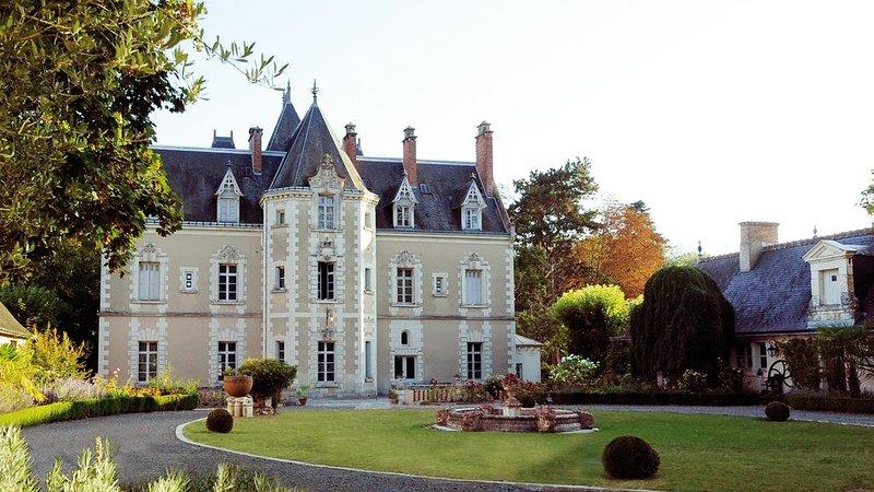 'Le Jardin', Château de Fontenay, Parc de 17 Ha avec Piscine et Tennis., alquiler vacacional en La Croix-en-Touraine