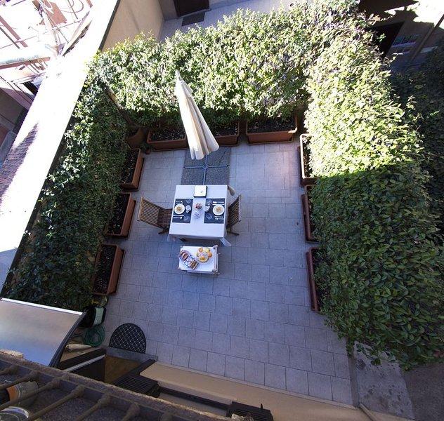 B&B Terrazza Baires simply a stunning place, location de vacances à Carpenzago