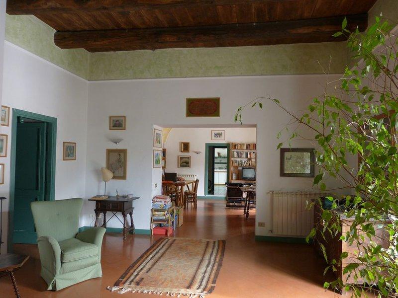 The Writer's House. Historische Altstadt Itri.In 20 Min zum Strand von Sperlonga, location de vacances à Itri