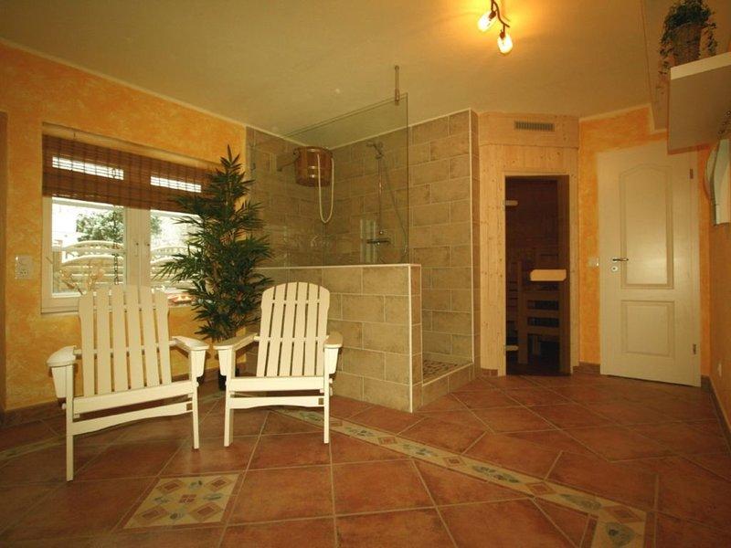 Landhaus mit bezaubernden Boddenblick unweit des Ostseestrandes, holiday rental in Lobbe