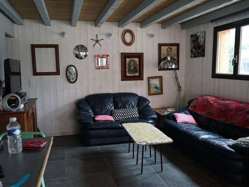 villa récente 6 pers  a 2pas du centre  plage à 400 m, holiday rental in Vendays Montalivet