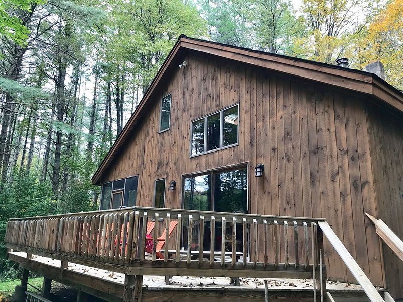Cozy Chalet,Lake Pauline, Lake Rescue,and 2 miles to Okemo Mt – semesterbostad i Ludlow