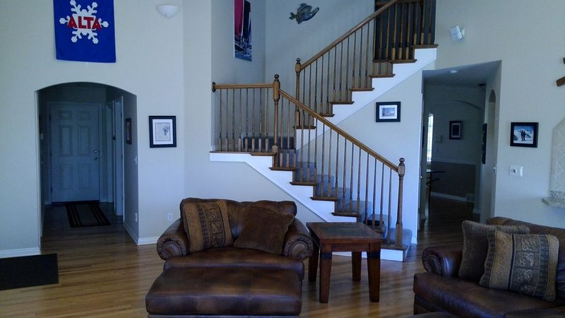 large vacation house for  ski/golf near base of Little Cottonwood Canyon, holiday rental in Sandy