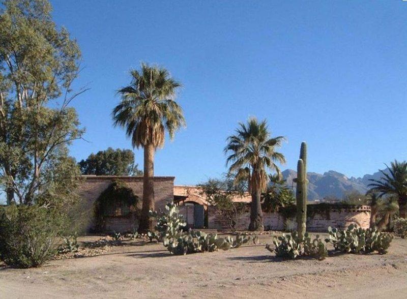 * Beautiful Classic Adobe,Creative Retreat*, alquiler de vacaciones en Casas Adobes