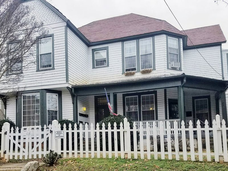 Captains Quarters - Historical Home Downtown Rental, holiday rental in Kernersville