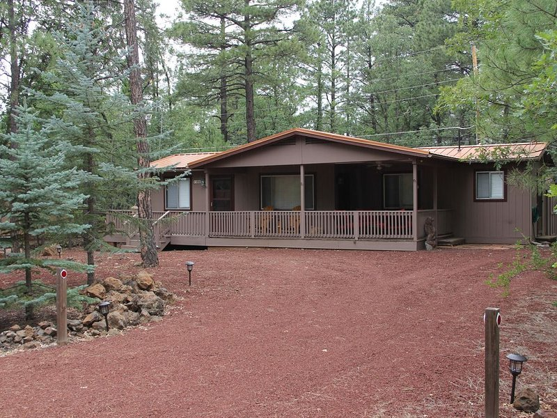 Comfortable and Quiet Pinetop Getaway, holiday rental in Apache County