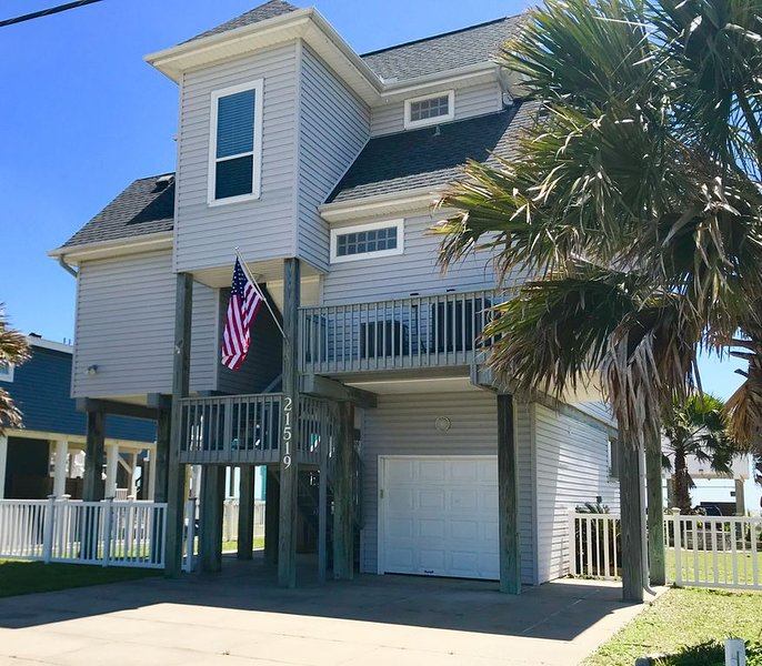 *EXTRA CLEAN* Recently updated 2nd Row beach house-Steps from the beach! 3BR, alquiler vacacional en Jamaica Beach