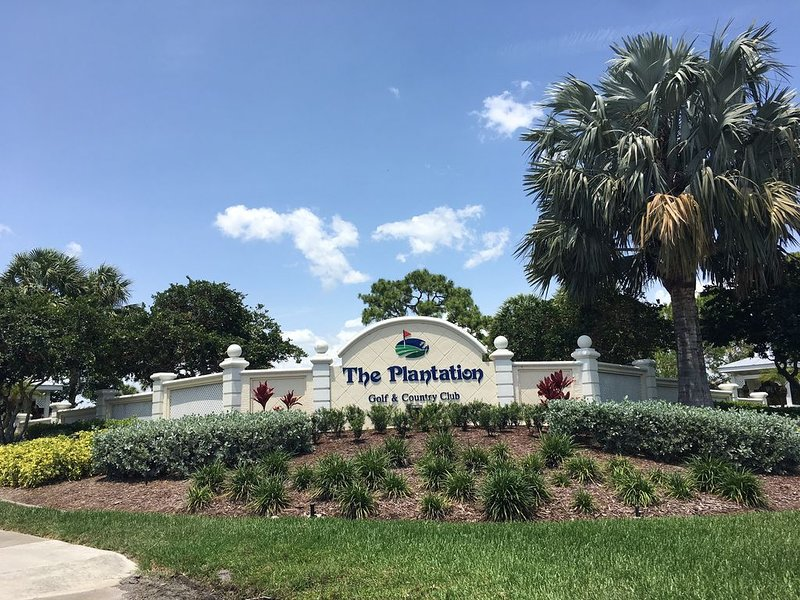 2 bed 2 bath Florida Condo on Golf Course, holiday rental in Venice